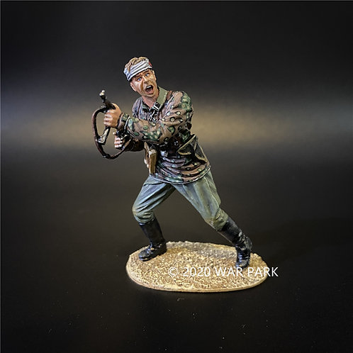 KU052 Das Reich SS Officer Leading the Charge
