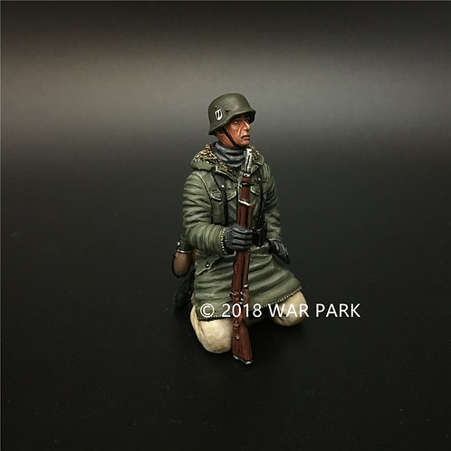 KH045 LSSAH tank rider kneeling with 98k rifle 7#