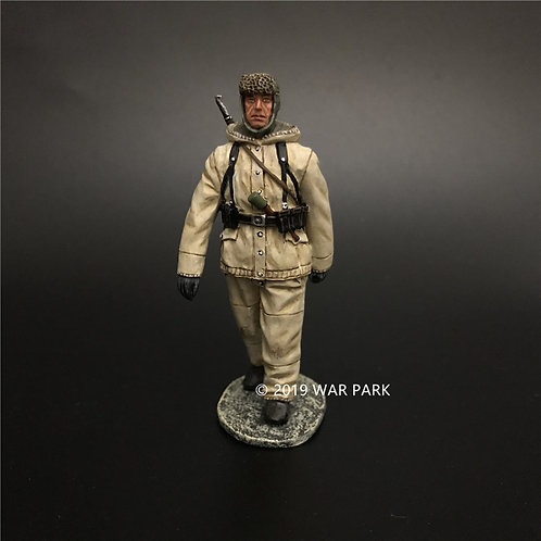KH073 German Soldier is Marching with 98k B