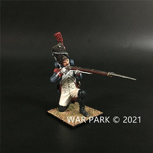 NP009 Old Guard Grenadier Kneeling Firing