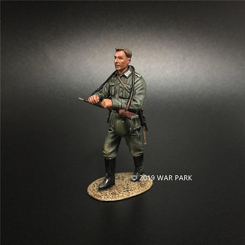KU002 Groß deutschland Marching Soldier A