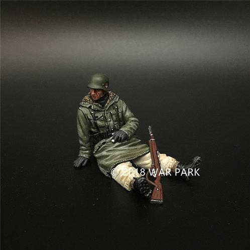 KH046 LSSAH tank rider sitting with 98k rifle 8#
