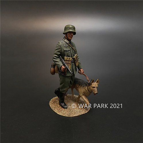 NO003 Wehrmacht Guard on Patrol with Dog