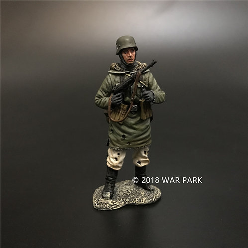 KH019 LSSAH soldier change MP40 magazine