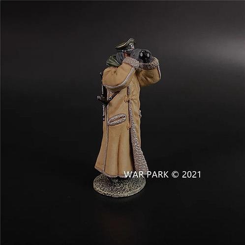 KH086 Kharkov German Officer in Winter Coat A (Holding Binoculars)