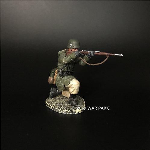 KH059 LSSAH Soldier Kneeling Firing with 98k