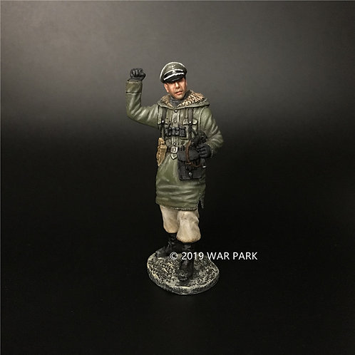 KH060 LSSAH Officer with a MP40