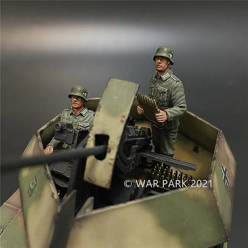 "NO005 Flakpanzer IV ""Ostwind"" crew"
