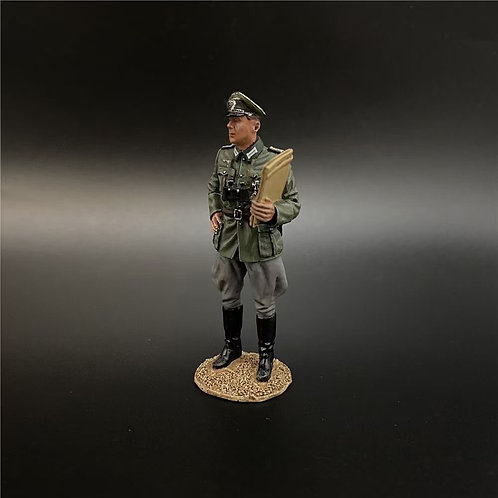 NO008 Wehrmacht Colonel With The Folder