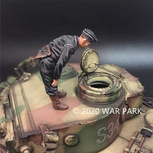 KU068 SS Tank Commander