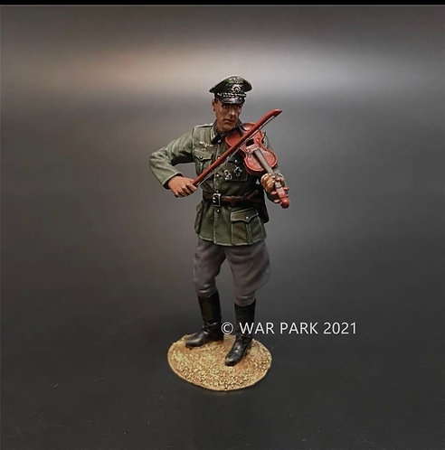 NO001 Wehrmacht Officer Playing the Violin