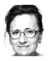 Hélène FROMONT a consacré les 15 premières années de sa vie professionnelle au management de projets et d'équipes en entreprises après une école de commerce, l'ISG. En 2005, elle a décidé de suivre un Master 2 de Formateur d'Adultes, accompagnateur de projets individuels et collectifs par la Recherche-Action (Sorbonne Nouvelle) pour mettre son expérience au service de l'accompagnement professionnel des personnes et des équipes. Coach professionnelle certifiée, elle est également Formatrice et Consultante sur différentes problématiques en lien avec le Projet, le Managementou la communication. Le développement des personnes et la formation tout au long de la vie sont les deux sujets qui la passionnent. Mettre l'individu au centre pour lui permettre de développer sa créativité et d'acquérir de nouvelles compétences correspond à sa conception du coaching comme de la formation et de l'intervention.