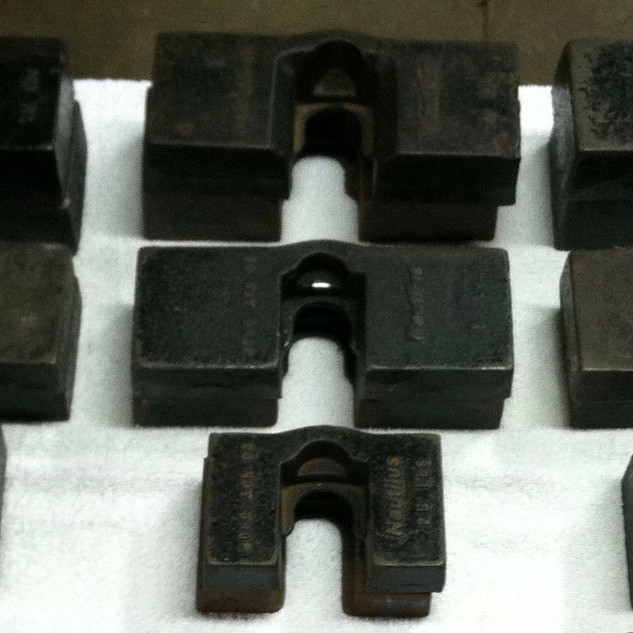 These are the most common style on add on weights.  thet wer available in 1.25, 2.5, 5, and 7.5lb increments.