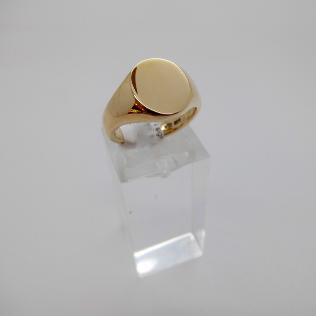 Gold Signet Ring £425.00 SOLD