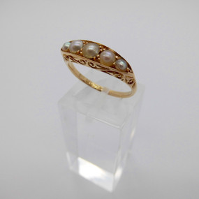 Pearl ring £185.00 SOLD