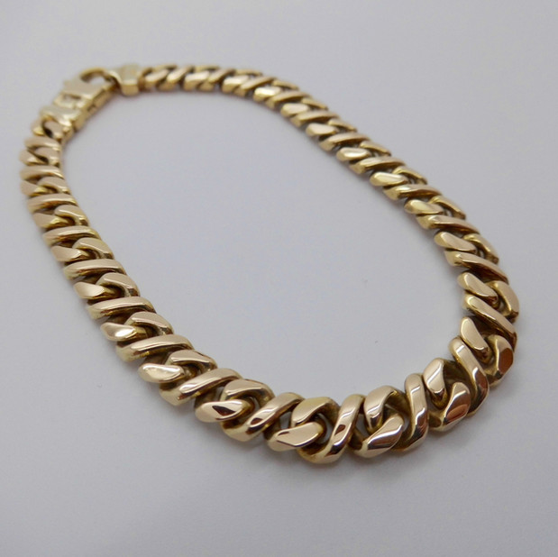 Yellow Gold Bracelet £945.00 SOLD