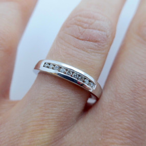 White gold and Diamond Ring £285.00