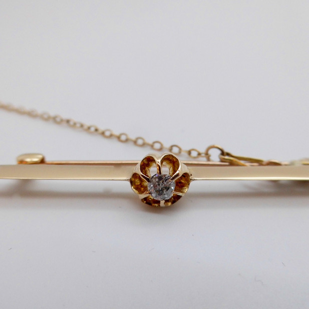 Yellow Gold and Diamond Brooch £275.00