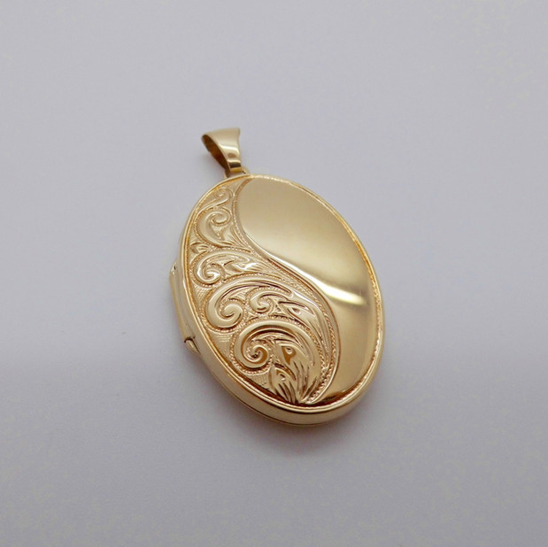 Gold Locket £240.00 SOLD