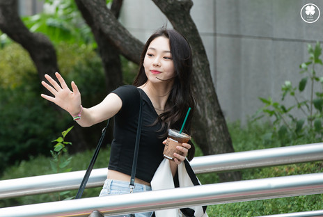 170825 Kang Mina 01