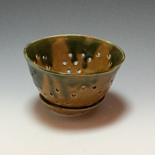 Berry bowl with saucer 2