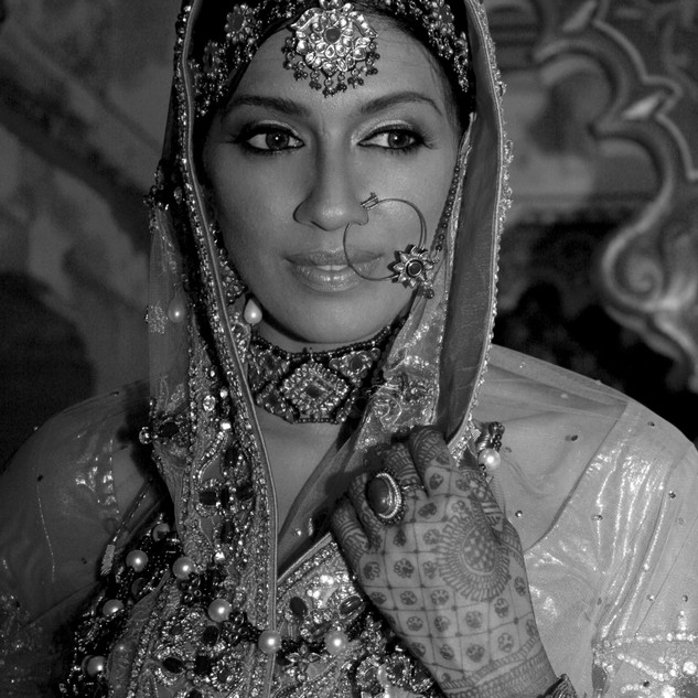 201010ANJHULA+SATISH-B&W_79.jpg