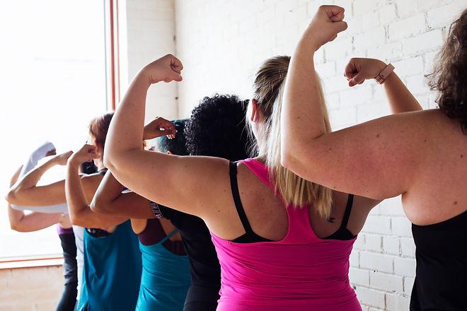 Femmes qui font du sport pour perdre du poids.