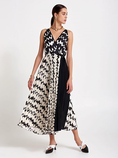 BEATRICE B ITALIA LONG PLISSE' DRESS WITH WAVE PRINT