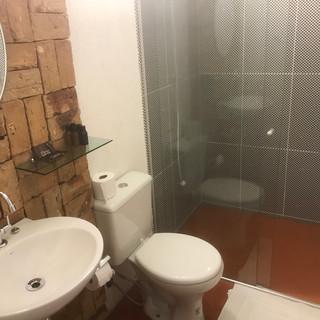 Banheiro Suite Standard  - R$250,00 (diária sem o café da manhã)