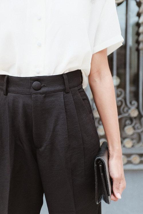Pantalona preta