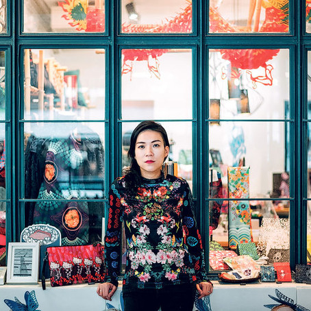 邂逅純天然真絲物料 穿越明清的香港時裝
