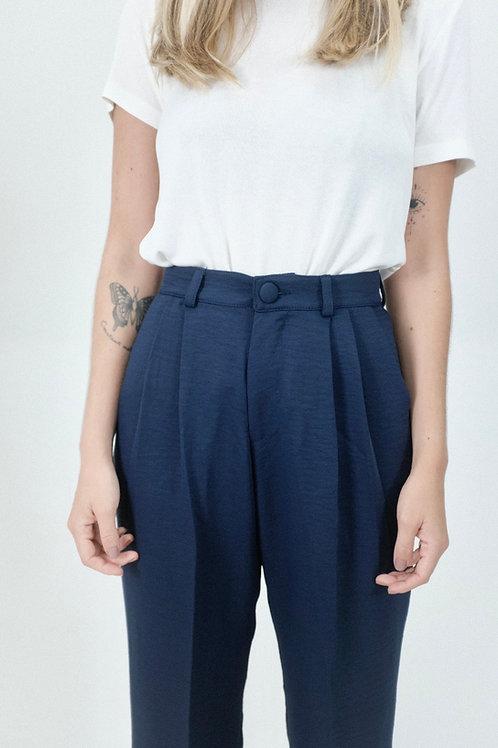Pantalona marinho