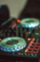 amplifier-audio-mixer-close-up-1481313.j