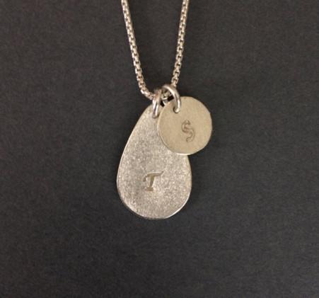 Teardrop & circle pendants