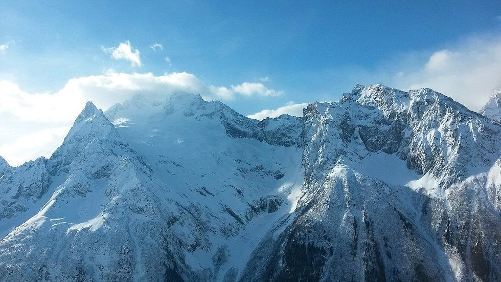 mountains-2115671_1920(1).jpg