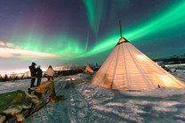Traditional Sami reindeer-skin tents (la