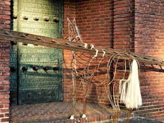 Paard van Troje kerkdeur.jpg