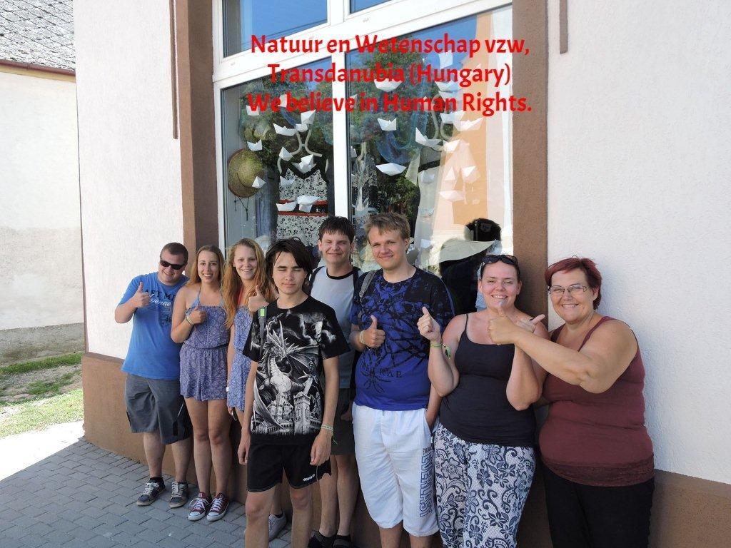 Ne&W, Hongarije