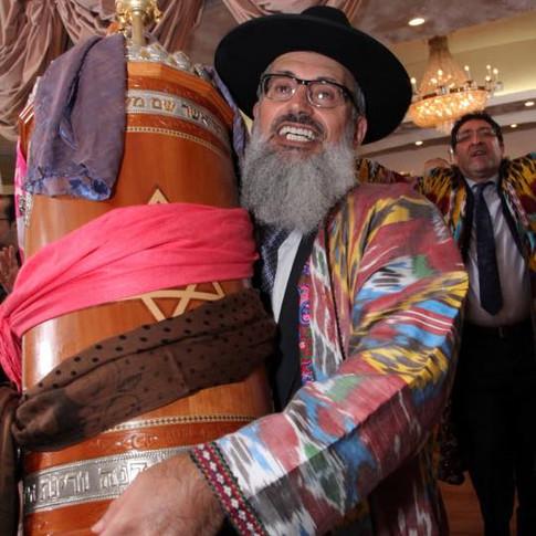 Hachnassat Sefer Torah ChazaQ-2015-04.jpg