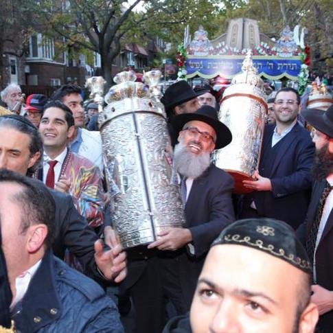 Hachnassat Sefer Torah ChazaQ-2015.jpg