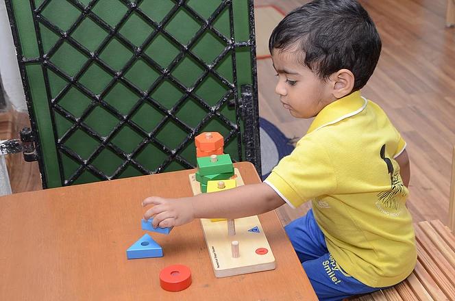 Geometric stacking - sensorial activity.