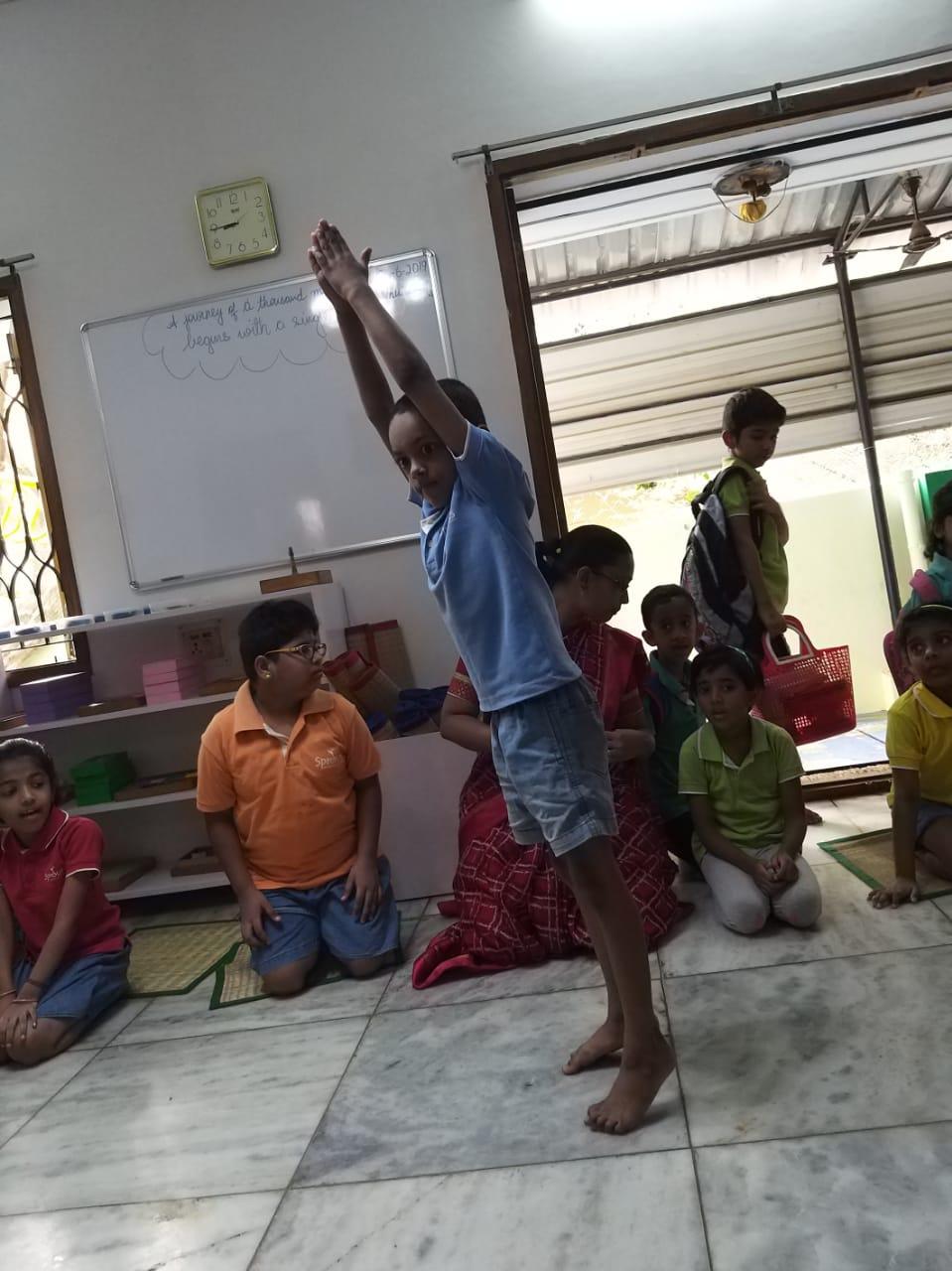 Kawin showcasing  how to balance