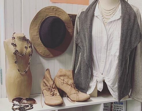 #shoplocal #shoptrc #accessories #consig