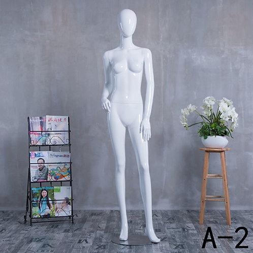 A-2 女模特