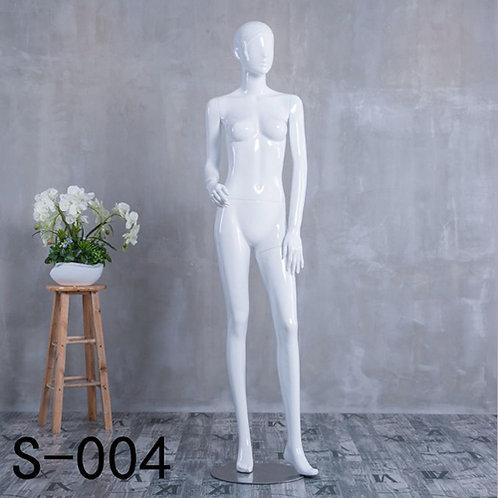 S-004 女模特