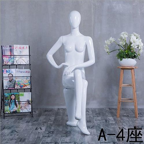 A-4座 女模特