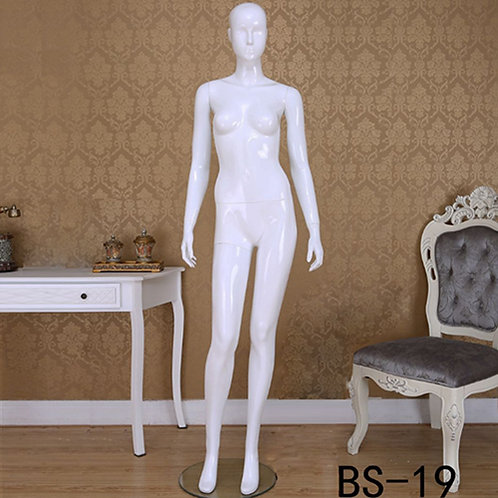 BS-19 女模特