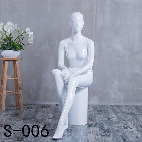 S-006座 女模特