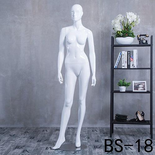 BS-18 女模特