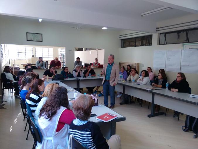 Palestra na Escola Oswaldo Aranha